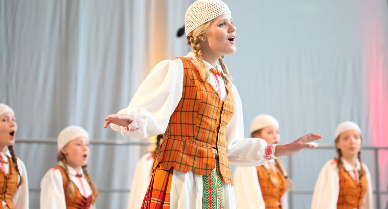 Kivi from Lithuania performing in Folklore category © Studi43