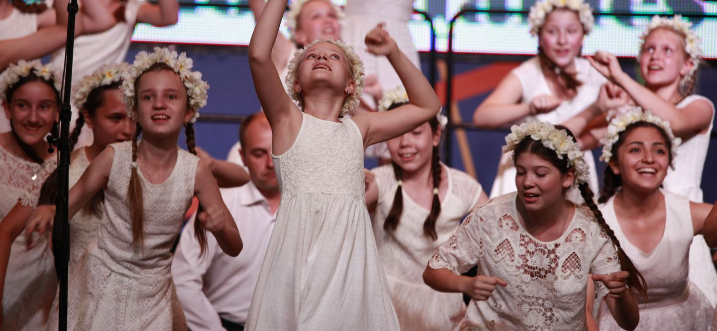 "Children's Choir ""Alye Parusa"", Russia © Studi43"