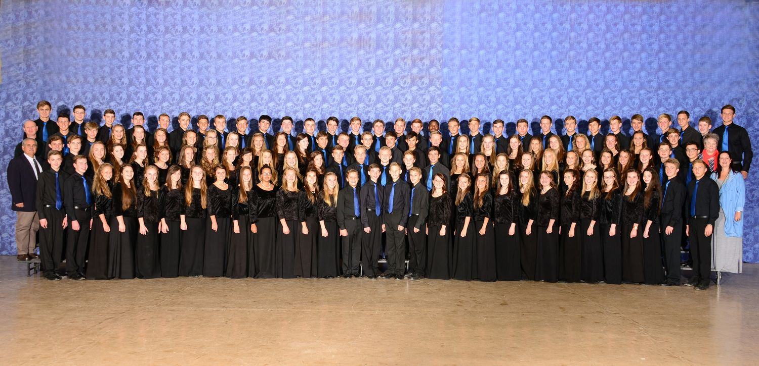 The Choir of the Menlopark High School